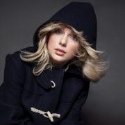 دانلود آهنگ Love Story از Taylor Swift با کیفیت 320 و ترجمه متن