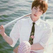 دانلود آهنگ Epiphany از جین (Jin BTS) با ترجمه متن فارسی