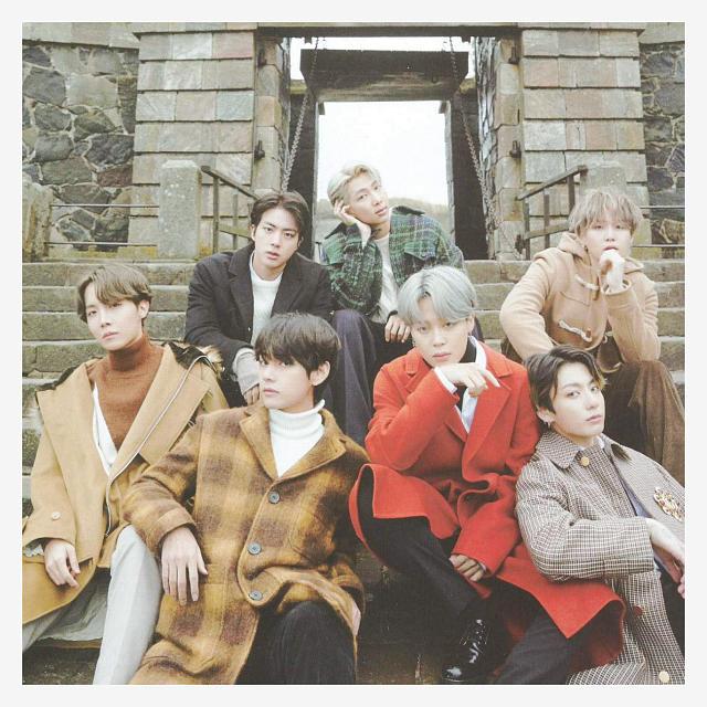 BTS Picture 87776677 دانلود آهنگ Look Here از گروه بی تی اس BTS (با ترجمه متن فارسی)