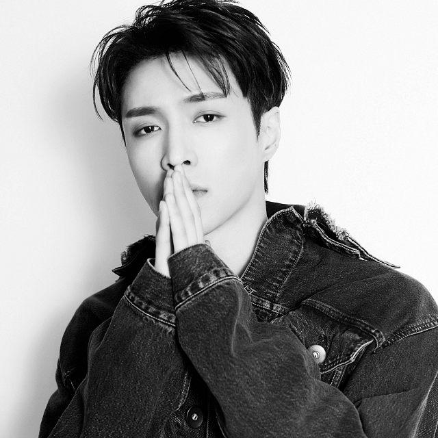 Lay EXO PICTURE 76655 دانلود آهنگ Lit از Lay (EXO) (لی عضو گروه اکسو) به همراه متن