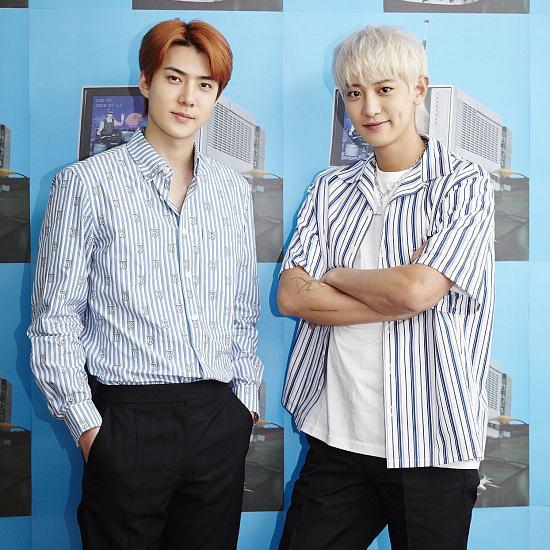 EXO SC Picture 56677766444 1 دانلود آهنگ 1 Billion Views از سهون و چانیول (سچان EXO SC) با متن